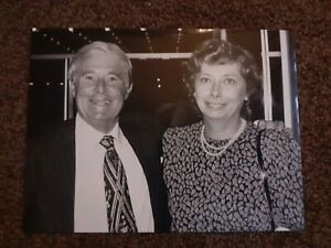 Ernie Wise and wife Doreen (1987) press photo -  8 x 6 inches