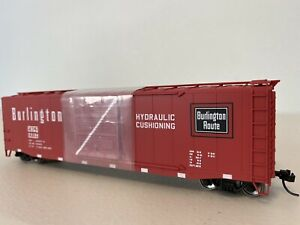 Rivarossi HR6350 :: Chicago, Burlington & Quincy 50ft Sliding Door Boxcar HO