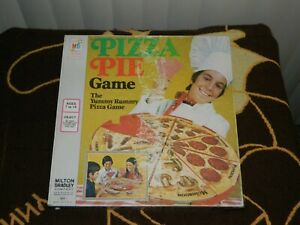 Vintage 1974 Pizza Pie Game..100% Complete in Box