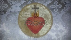 Embroidered The Sacred Heart of Jesus on 9in gold velvet circle with gold trim
