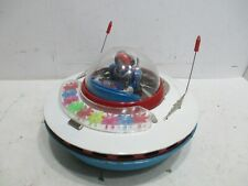 FLYING SAUCER WITH MOVING ASTRONUT-SPINNING GEARS-FLASHING LIGHTS TESTED WORKS