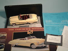 1949 BUICK ROADMASTER YELLOW CONVERTIBLE FRANKLIN MINT 1:24 DIECAST WITH DISPLAY