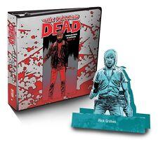 Cryptozoic 2013 Walking Dead Comic Series 2 Trading Card Binder B01 Rick Pop-Up