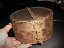 GENUINE VINTAGE REPTILE COLLAR BOX LEATHER STRAPPING & 2  COLLARS & DICKIE BOWS