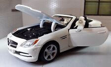 G 1:24 Scale Mercedes SLK Class 2011 31206 R172 V6 V8 Detailed Maisto Model Car