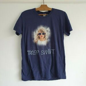 TAYLOR SWIFT The 1989 World Concert Tour Collectable 2015 Pop Music T-Shirt M