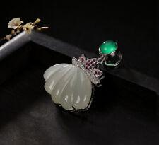 H02 Anhänger Silber 925 Muschel aus weißer Jade grüner Achat rote Kristalle