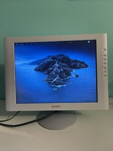 """VINTAGE SONY SDM-S51 TFT LCD 15"""" COLOR MONITOR EXCELLENT WORKING CONDITION ❣️"""
