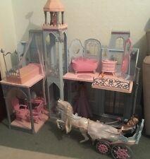 Vintage Boda Barbie Y Ken Muñecas Plegable casa grande con carro de caballo de juguete