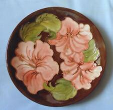 VINTAGE MOORCROFT LARGE 10 INCH CHARGER/PLATE HIBISCUS DESIGN CORAL ON BROWN