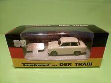 VITESSE TRABANT 601 DER TRABI - OFFNUNG DER BERLINER MAUER 9 NOV 1989 - GOOD IB