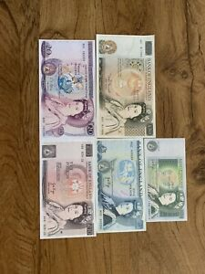 Lot of 86 British Pounds No Reserve Price Great For Any Collection- 50 20 10 5 1
