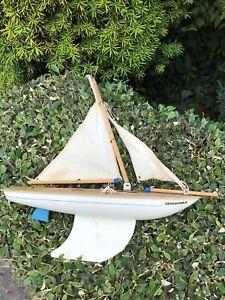Vintage Toy STAR POND YACHT ENDEAVOUR II White, England