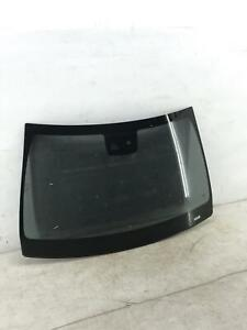 *LOCAL PICKUP ONLY* 2015-2018 MERCEDES C63 AMG W205 WINDSHIELD GLASS W/O HEAD UP