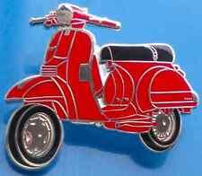 Vespa PX Scooter rouge, noir et silver enamel pin badge