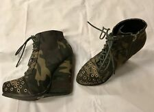 Qupid Camo Women's Ankle Boots. Size: 6