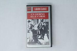 VHS UN GIORNO ALLE CORSE M & R FILM & FILM   1937 [MF-022]