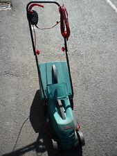 AFFAIRE!!! Bosch électrique Tondeuse à Gazon Rotak 32R rotatif avec 32 cm largeur de découpe