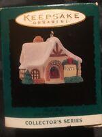Hallmark 1994 Keepsake Miniature Ornament OLD ENGLISH VILLAGE #7 Hat Shop NIB