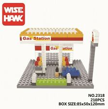 "W.H. ""City builder"" Minifigure Building Blocks - Gas Station W/Xmas Tree"