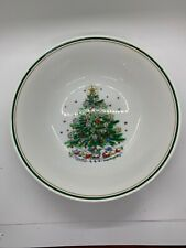 Salem Christmas Eve 9 In Round Vegetable Bowl Green And Gold Rim
