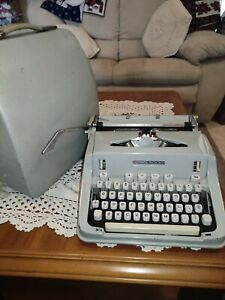 Hermes 3000 Typewriter Vintage With Metal Cover Working Made in Switzerland