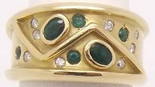 SOLID 18CT YELLOW GOLD NATURAL EMERALD & DIAMOND HEAVY RING - VALUED AT $4580.00