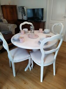 Refurbished table and 4 chairs DELIVERY POSSIBLE