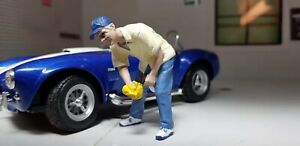 G LGB 1:24 Scale Figure Washing Car Show Garage Workshop American Diorama