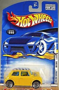2000 Hot Wheels #90 2000 First Edition 30/36 MINI COOPER Yellow w/Lace Spoke