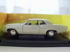 AMERICAN MUSCLE HOBBY EDITION 1966 CHEVROLET / CHEVY BISCAYNE 427 - 1/18 DIECAST