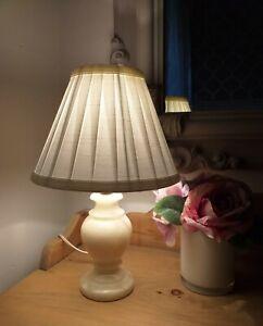 Vintage onyx/marble/alabaster cream table lamp.