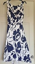 Ladies Quiz White Blue Floral Satin Special Occasion Party Dress Size 8 B39