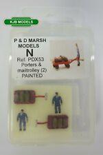 More details for n gauge p & d marsh x53 2 station porters & 2 mail trolleys - painted models