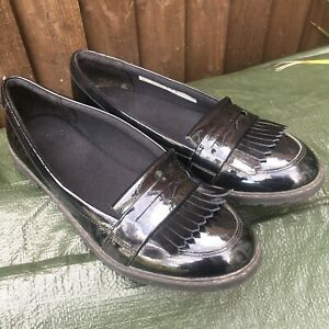 Clarks Girls Black Parent Leather Slip On Loafer School Shoes Size 5E