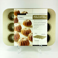 Williams Sonoma Mini Fluted Cakelet Pan Goldtouch Nonstick 12-Well