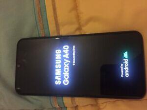 Samsung Galaxy A40 - 64GB - BLACK (Dual SIM) pari al nuovo nessun difetto
