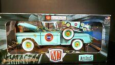 1/24 M2 Auto Trucks 1958 GMC 100 Step Side + 1/64 twin set GOLD CHASES 1/500 MIB
