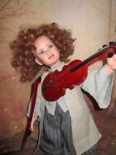 Ganz entzückender junger W. A. Mozart mit Geige Hochwertige Porzellankopfpuppe