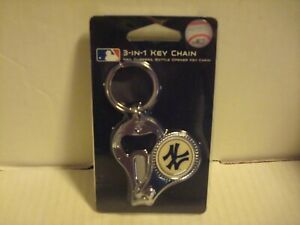 MLB New York Yankees 3 In 1 Key chain,Nail Clippers & Bottle Opener (NEW)