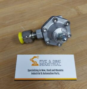 New DEVILBISS HGS-5232 FLUID REGULATOR - Ships FREE from the USA (RE115)