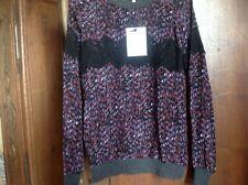 Jolie blouse ,détails dentelle , essentiel antwerp,!!😉