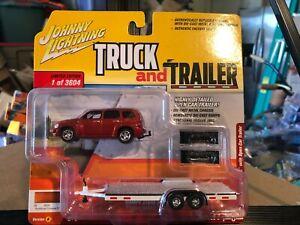 1/64 JOHNNY LIGHTNING TRUCK & TRAILER 2006 CHEVROLET HHR & OPEN TRAILER ORANGE