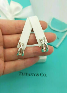 Tiffany & Co. Rare Vintage Paloma Picasso Silver Crossover Hoop Clip on Earrings