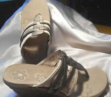Women's CUSHE Entwine Champagne Wedge Sandal Shoes Size 10 NEW