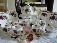 COLCLOUGH ' AMORETTA ' - TEA / DINNER SERVICE - ENGLISH FINE BONE CHINA