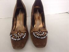 Pierre Dumas Gold Fabric ,Prong Set Rhinestones & Bow  Womens Heels Shoes Sz 7 M