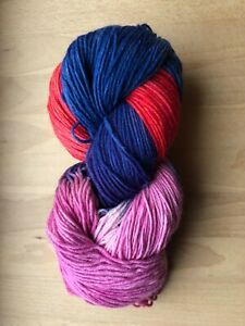 (5,30 € / 100 g) handgefärbte 8-fach 200g Sockenwolle dunkelblau rot himbeere