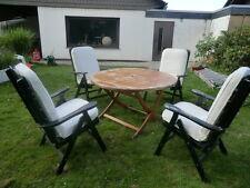 Gartenmöbel, 4 Stühle inkl Auflagen und ein Tisch