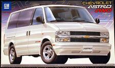 2001 Chevrolet Astro LT 4WD Van 1:24 Fujimi 123943